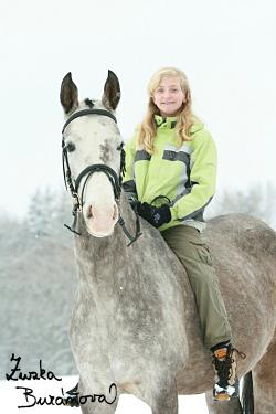 Dívka a kůň